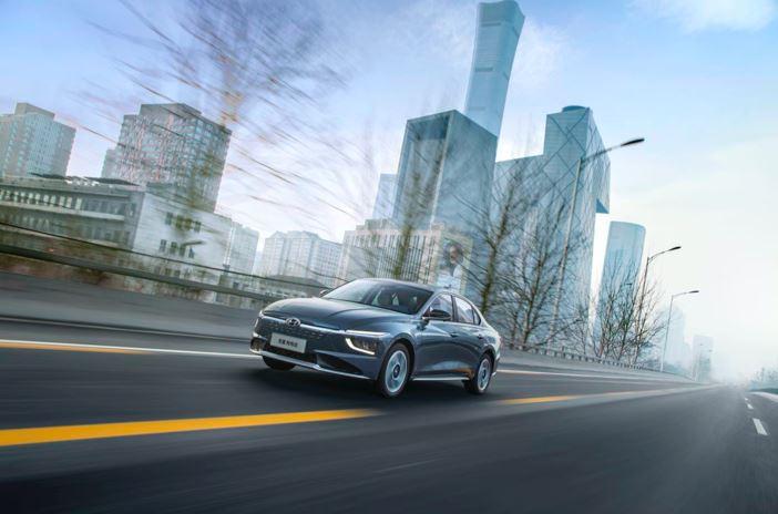 超值新能源车15-20万元,试驾北京现代名图纯电动