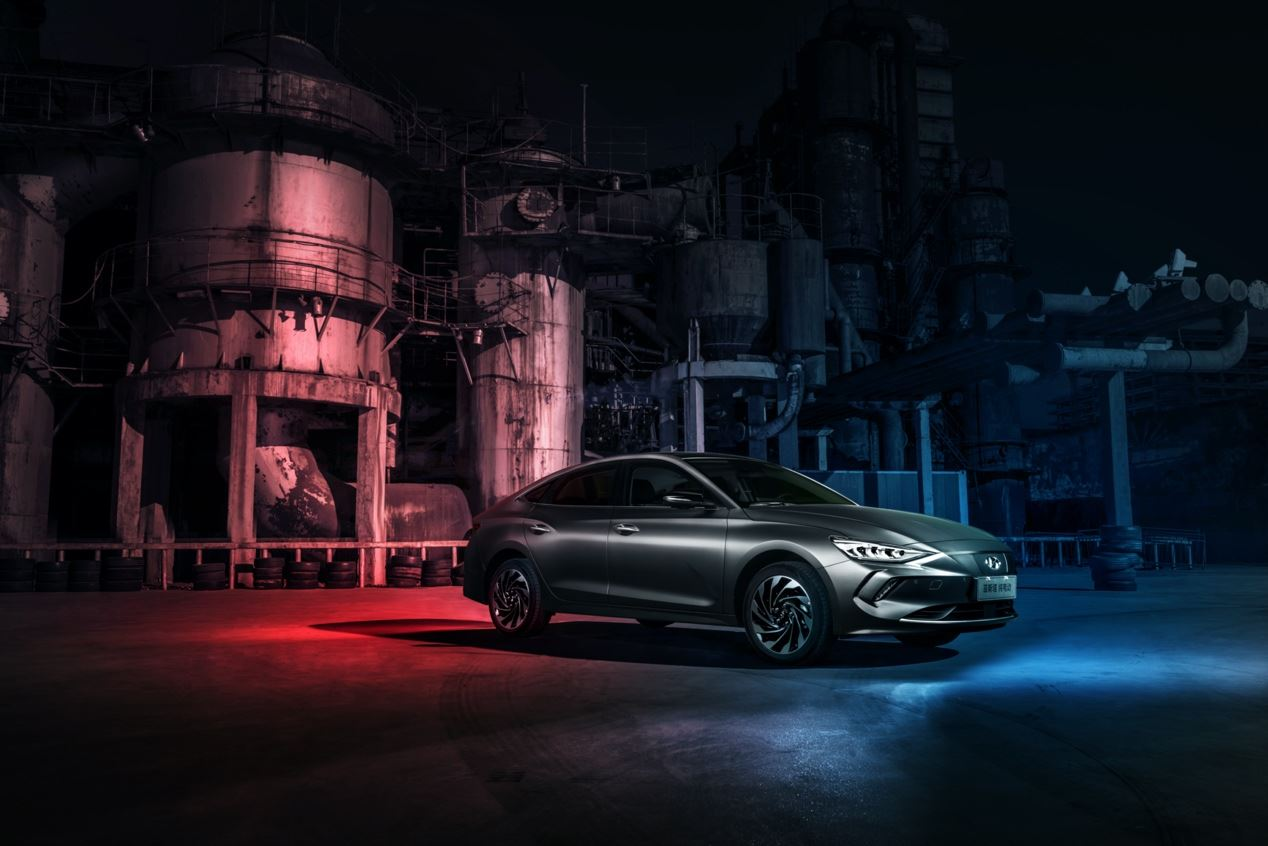 极 具质价比车型推荐,菲斯塔EV纯电动拥有极 致的超控感